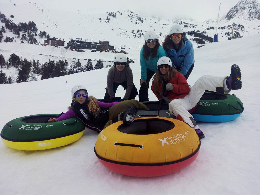 Snow tubbing and Sled dog in Andorra